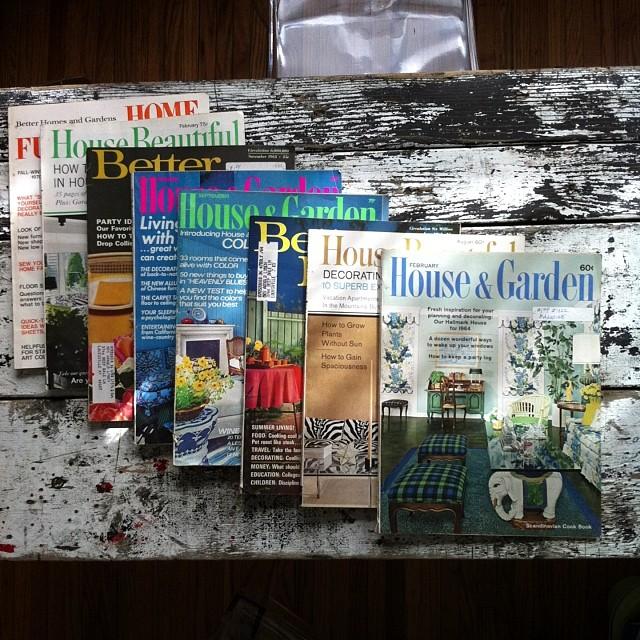 Lazy Sunday reading, enjoying my fresh stack of #vintage #design magz & feeling all warm & fuzzy inside! #midcentury #hollywoodregency
